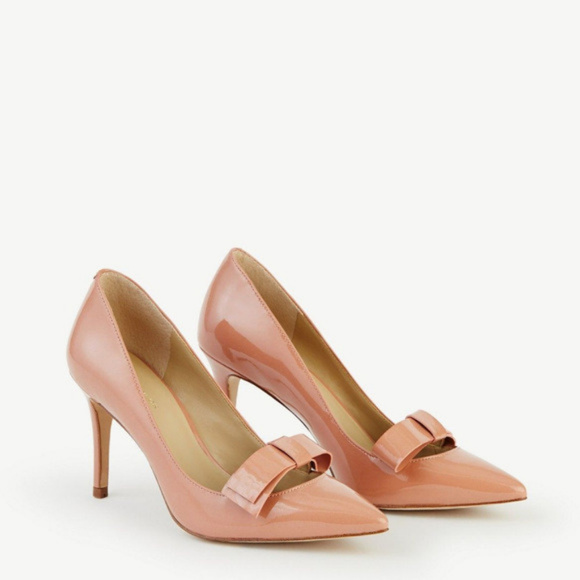 6cd2dff46f5a ANN TAYLOR Odette Patent Bow Pumps Nude Heels 5